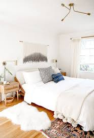 how to utilize space in a small bedroom
