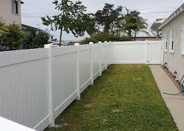 Vinyl picket fence front yard One Side Yard This Ft Tall White Privacy Vinyl Fence Runs Along Side Of Home In Torrance Ca Jj Fence Jj Fence Vinyl Fence Gallery Vinyl Fence Installation Los Angeles