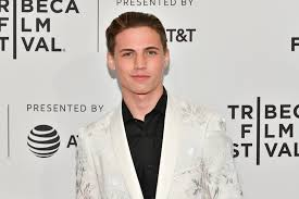 May 17, 2021 · addison rae kissed her he's all that costar, tanner buchanan, at the 2021 mtv movie and tv awards. Who Is Tanner Buchanan Dating He S All That Star S Relationship Status