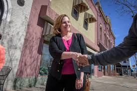 She helped deport hundreds of undocumented immigrants. Now she's ...