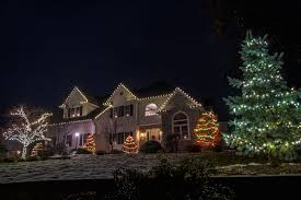 Red And White Led Christmas Tree Lights This Home Looks Amazing We Used Red And Warm White Led