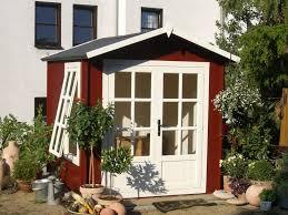 Schwedenrot & stilvoll: Die schönsten Schwedenhaus-Gartenhäuser ...