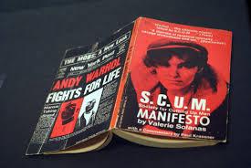 """Emma on Twitter: """"Escritora, guionista, activista y pensadora feminista en  el Nueva York de finales de los 60, Valerie Solanas es mucho más que la  mujer que atentó contra Warhol. Ella es"""