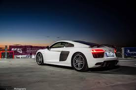 2015 Audi R8 V10 Plus stars in photo session on top of a building