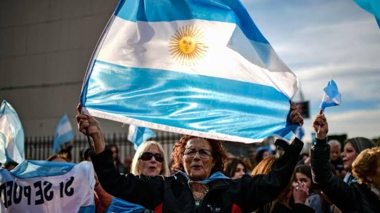 Argentina: viciado no fracasso, em crise e próximo do abismo. Por Gustavo Freitas