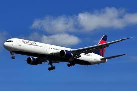 delta one lie flat seats business cl boeing 767 400er to honolulu hawaii