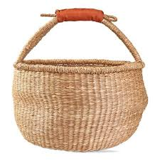 tag round seagrass basket with faux leather handle