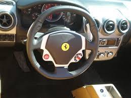 Preço fipe r$ 761.200 preço que representa a média de veículos no mercado nacional. Ficheiro Red Ferrari F430 Spider Steering Wheel Jpg Wikipedia A Enciclopedia Livre