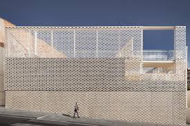 pergola architecture. flexible faade pergola and flexbrick architectural concrete panels on the new virolai petit de barcelona school building architecture