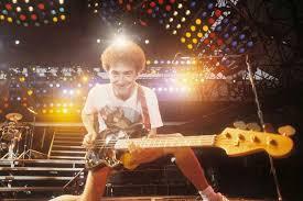 John Deacon y su fugaz incursión fuera de Queen - La Tercera