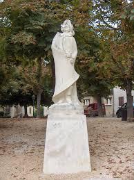 file cyrano de bergerac statue jpg  file cyrano de bergerac statue jpg