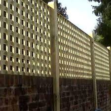 square trellis panels with a closer