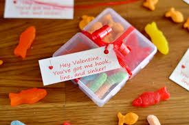 valentine tackle box close bright