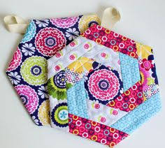 Show Off Saturday - New and Improved Hexi Potholder Pattern ... & Show Off Saturday - New and Improved Hexi Potholder Pattern — SewCanShe |  Free Daily Sewing Adamdwight.com
