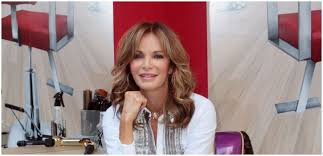 Jaclyn Smith Stuns At 74 As She Poses In Matching Christmas Jammies With  Her Family