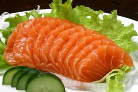 Resultado de imagem para sashimi de salmao e tilapia