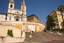 Von der piazza de spagna zur trinità dei monti. Spanische Treppe Rom Tipps Und Infos Zur Spanischen Treppe Helptourists In Rome Helptourists In Rome