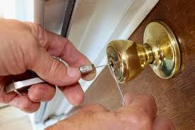 locksmith working. Locksmith Working M