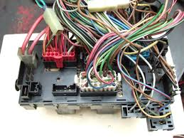 view topic fuze box wiring layout relay locations fuze 1 blk fusebox pin d 2 digifant f inj 2 blk yel digifant ecu pin 14 fuel injectors digifant f inj