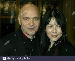 Film Director Anthony Minghella And Wife Stockfotos und -bilder Kaufen -  Alamy