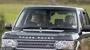 Land Queen l322 Elizabeth royallr King The Queen Range By Rover Being Ii Driven