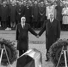 Mit einer geste der versöhnung haben die präsidenten von deutschland und frankreich das zusammenwachsen beider länder nach den schrecken des zweiten weltkriegs gewürdigt. Lander Freundschaft Frankreich Baut Auf Eine Zukunft Mit Deutschland Welt