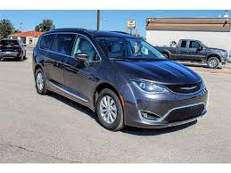 2018 chrysler pacifica. contemporary pacifica new 2018 chrysler pacifica touring l on chrysler pacifica e