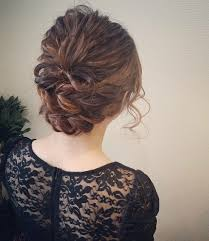 結婚式小顔に見せる髪型10選セミロングの上品ヘアアレンジhair