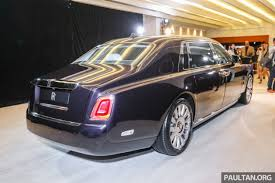 2018 rolls royce ghost.  ghost on top of this rollsroyce piled on over 130 kg sound insulation for  unrivalled silence including a foam layer in the tyres to reduce tyre noise by  with 2018 rolls royce ghost