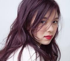 前髪で髪型の印象が変わる前髪の分け方を変えて簡単イメージチェンジ
