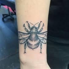 тату на запястье для девушек с обозначением татуировки на запястье