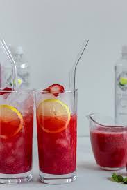 Light Cocktails Skinny Sparkling Strawberry Vodka Cocktails