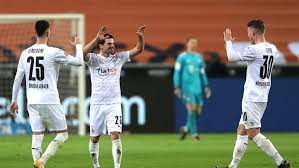 Maybe you would like to learn more about one of these? Gladbach Bayern 3 2 Jonas Hofmann Dreht Auf Und Das Spiel Kicker