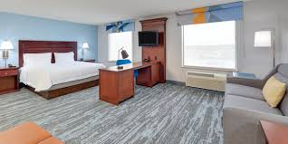 hampton inn suites dallas arlington south starts the new year with top to bottom renovation