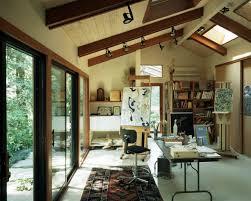 Design Ideas: A Beautiful Art Studio With A Countryside Interior