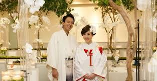 和装ヘアをもっと美しく胡蝶蘭でおしゃれ花嫁さんの完成