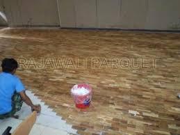 Pemasangan Parket Solid Unfinish seperti Parket jati Flooring Merbau  Flooring bengkirai adalah sebagai berikut