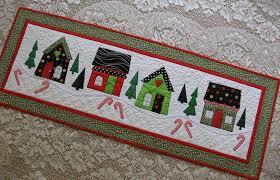 House Quilt Patterns: 5 Homey Designs to Try & Holiday House Quilt - Pattern on Craftsy Adamdwight.com