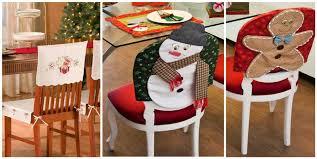 Funda navideña de muñeco de jengibre 1.-Puedes usar tela color café o  fieltro para hacer el diseño del muñeco de jengibre. 2.-usa botones grandes  de madera