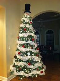 Snowman Christmas tree!!!! Definitely doing this for Christmas this year!