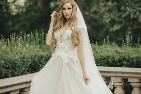 red scarlett makeup artistry in salt lake city ut offers on site bridal makeup services that can match your skin tone jewelry