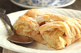 Easy Apple Strudel To Share This Season 31 Daily