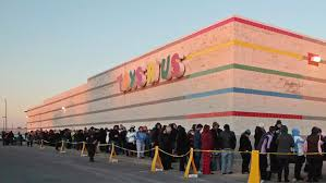 1800 toysrus toys r us is said to ready liquidation of u s operations west