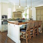 Editors' Picks: Our Favorite Neutral-Toned Kitchens