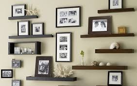 techniques to picture organization to decorate the wall