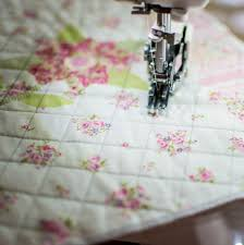 How and When to Use the Walking Foot on Your Sewing Machine ... & Straight line quilting with a walking foot. Adamdwight.com