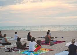 フリー写真画像 ビーチ 群衆 海 ヨガ 夏 スタビライザー 水 海岸