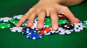Online poker vs. daily fantasy: Which creates more winners?