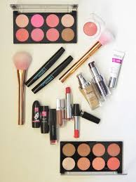 basic makeup kit for beginners in india 1