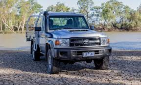 2018 toyota 79 series. modren series 2017 toyota landcruiser 79 series single cabchassis review for 2018 toyota series a